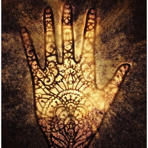 Henna-hand-by-Howard-Moses